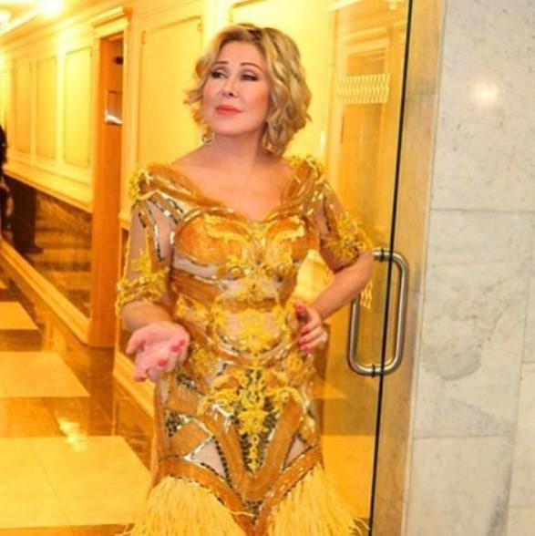 Любовь Успенская в платье фото