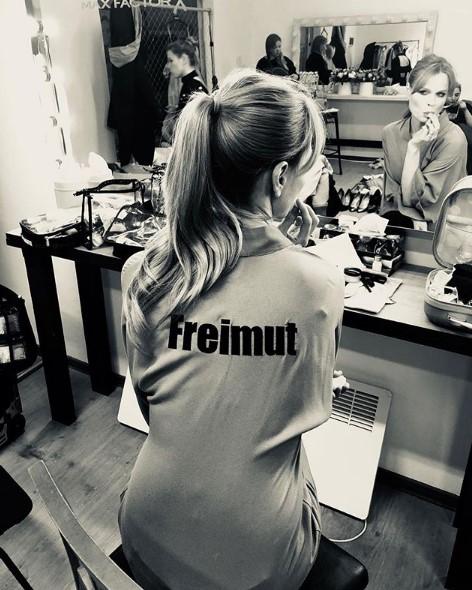 Ольга Фреймут в гримерке фото