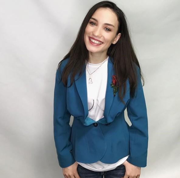 Виктория Лайнеко в стильном аутфите фото