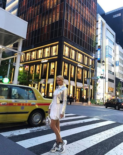 Яна Рудковская в Японии фото