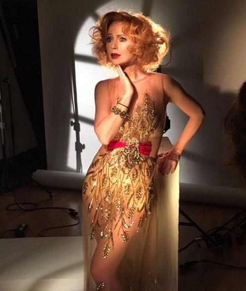 Елена Зхаарова в полупрозрачном платье фото
