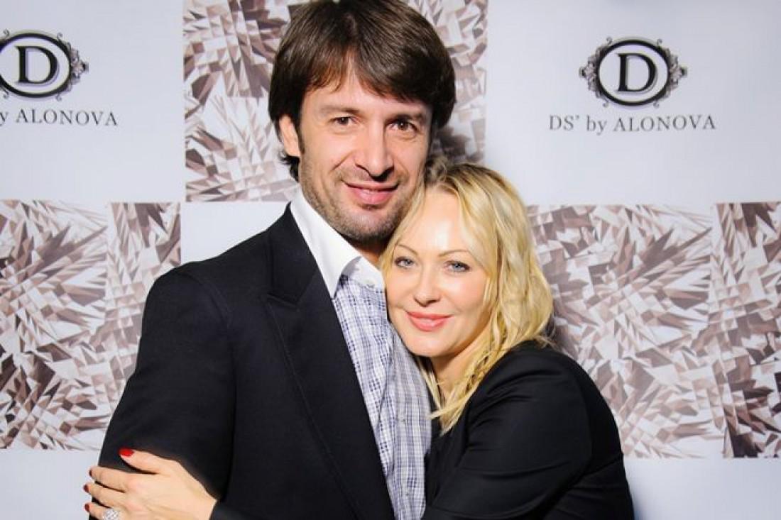 Семейный скандал: Александр Шовковский и Ольга Аленова продолжают выяснять отношения