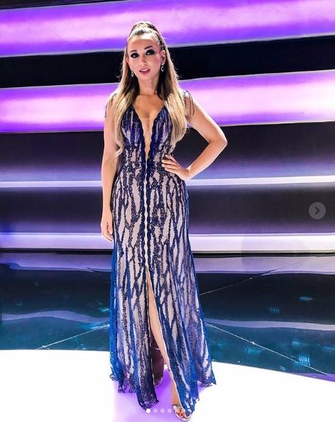 Анфиса Чехова в роскошном платье фото