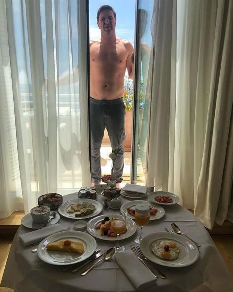 Максим Виторган на отдыхе фото