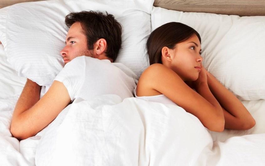 Чего стесняются люди в постели и преодолимо ли это явление?