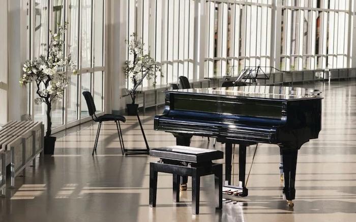 Как правильно выбрать банкетку для пианиста?