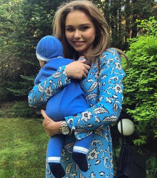 Стефания Маликова с братом фото