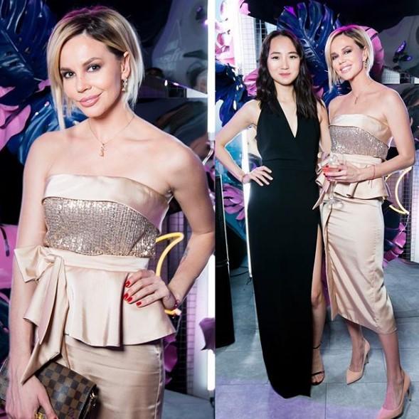 Натали Неведрова в золотистом платье фото