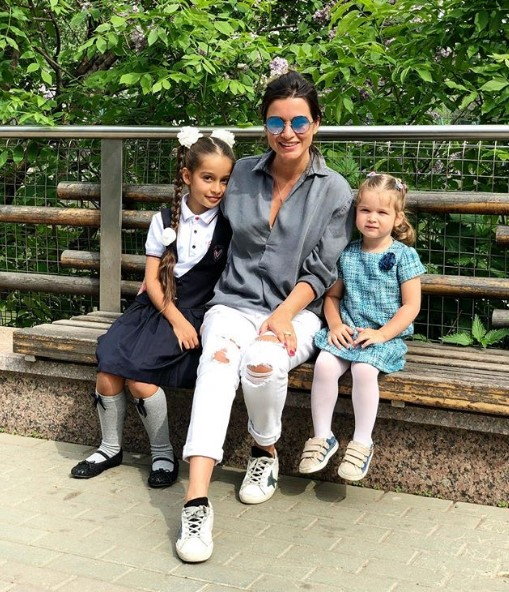 Ксения Бородина с дочками фото